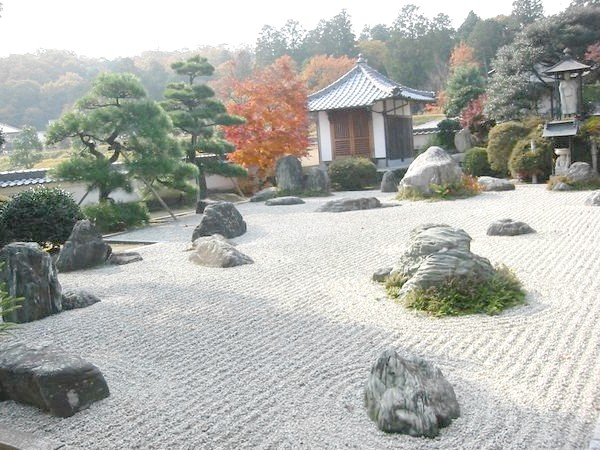 гравійні сади на Сході