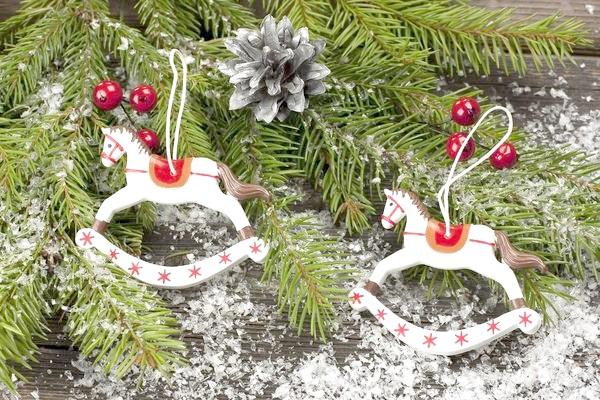 новорічні іграшки конячки