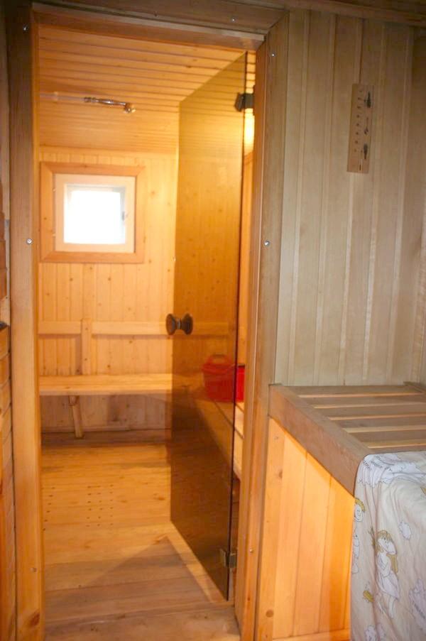 Двері з парильні - в мильне відділення