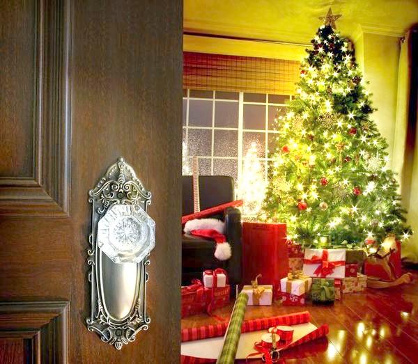 Зал декорований для новорічних свят