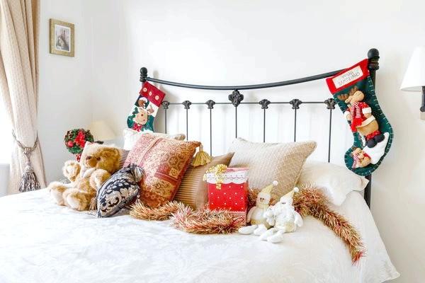 прикраса спальні на новий рік