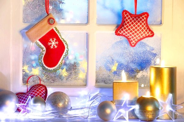 новорічну прикрасу вікна