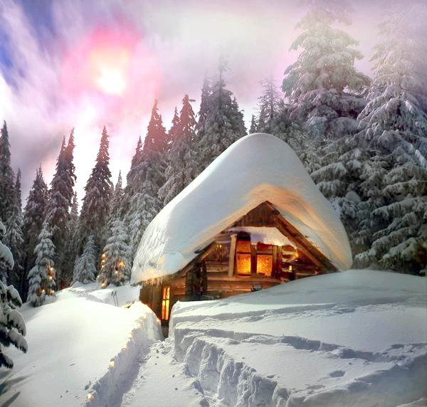 Будиночок в снігу