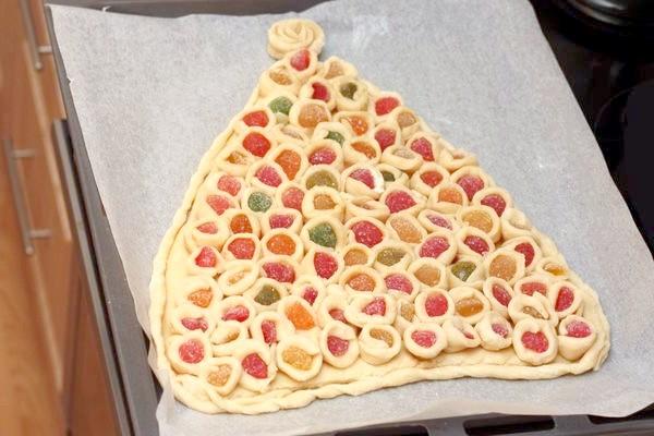 пиріг перед відправкою в духовку