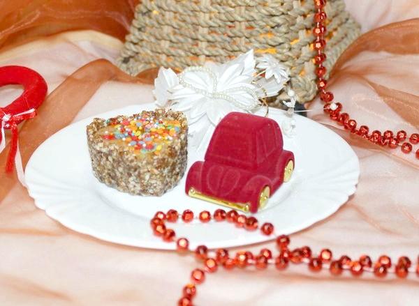 тістечко в подарунок
