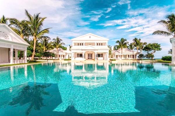 Басейн Селін Діон на острові Юпітер у Флориді