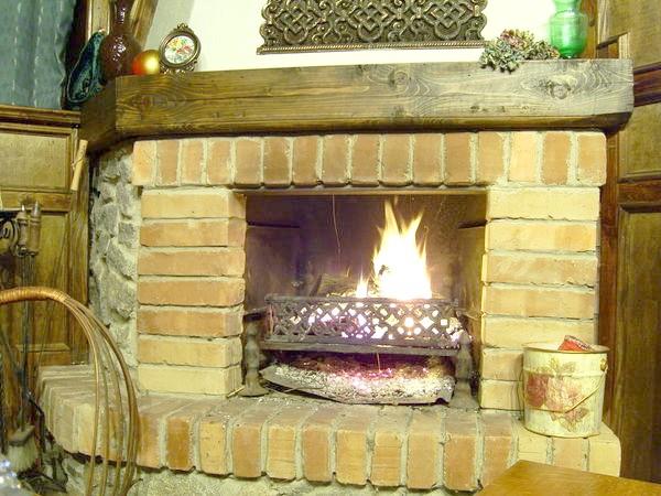 Фото - Справи пічні: вибираємо дрова, чистимо димарі