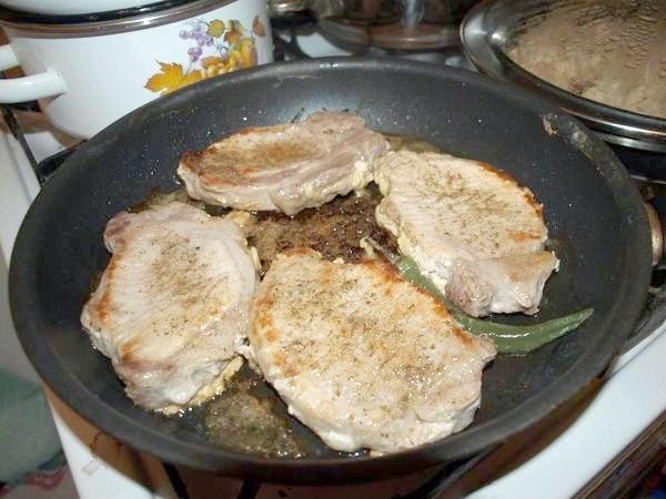м'ясо присмажилося