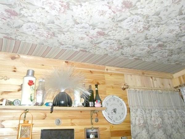 Фото - Інтер'єр садового будиночка: гобеленовий стелю