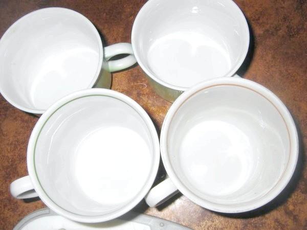 Чашки.
