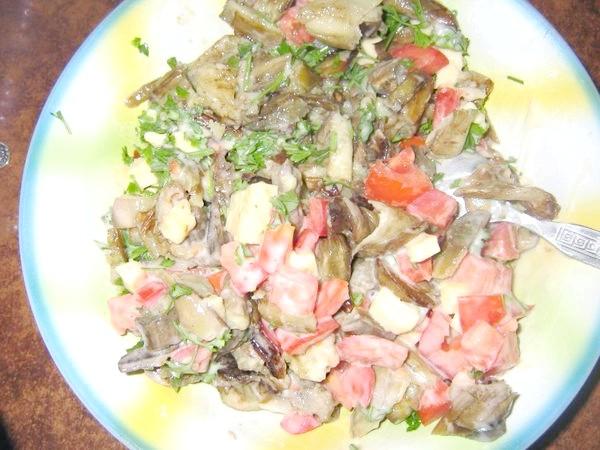 Теплий салат з овочів.