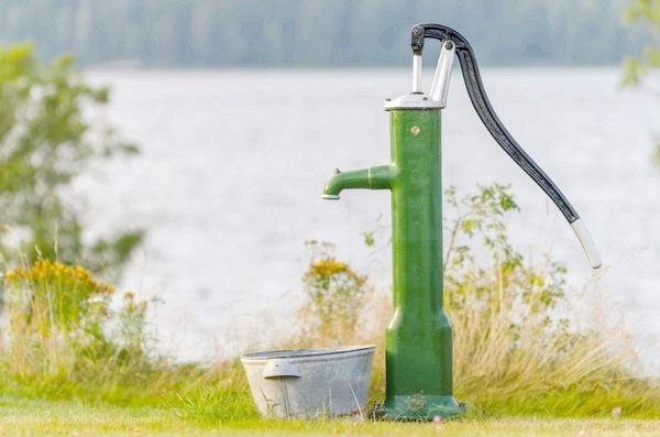 Фото - Як вибрати насос для свердловини