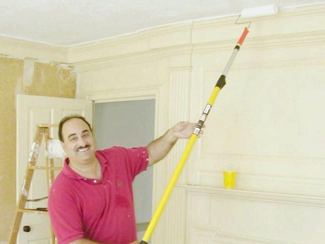 На зображенні показано, як правильно пофарбувати стелю