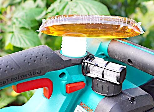 масло змащувальне Bosch AKE 30 LI