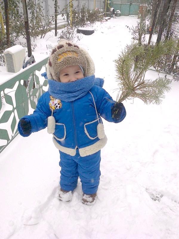 на снігу