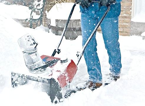 Фото - Снігоприбиральник: як вибрати